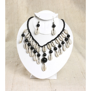 Cowrie Shell Jewelry Set - Black